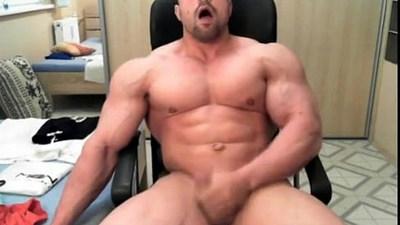 amateur gays  bodybuilder  cumshots