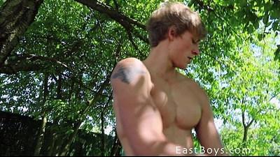 bodybuilder  boys  casting